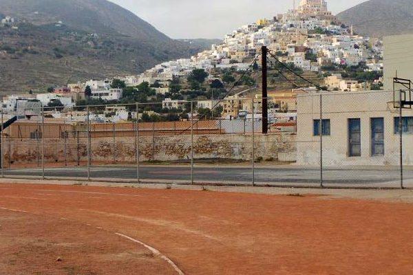 'Ενταξη του έργου «Επισκευή – αναβάθμιση Ανοικτού Δημοτικού Γυμναστηρίου στη θέση Πευκάκια Ν. Σύρου»