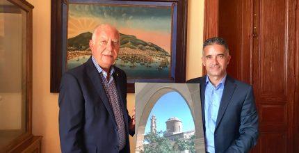 Eπίσκεψη Δημάρχου της κατεχόμενης Μόρφου Κύπρου στην Σύρο