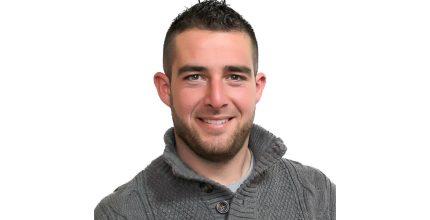 Ο Γιάννης Παράβαλος, υποψήφιος του συνδυασμού «Η ΣΥΡΟΣ ΠΟΥ ΑΞΙΖΟΥΜΕ»