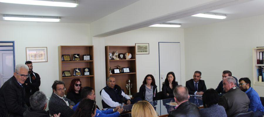 Συνάντηση Δημάρχου με Ένωση Ποδοσφαιρικών Σωματείων Κυκλάδων