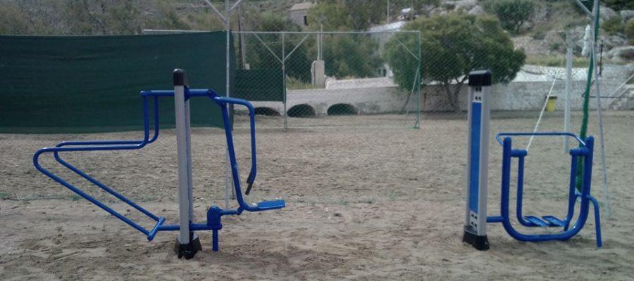 Εγκατάσταση υπαίθριων χώρων εκγύμνασης στις παραλίες Βάρης και Γαλησσά